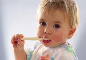 як правильно обрати дитячу зубну щітку